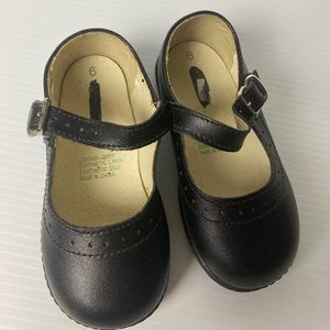 Target black size 6 leather toddler Mary Janes